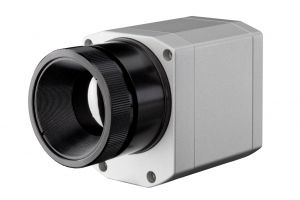 VGA infrared camera with 7.9 µm filter for the glass industry